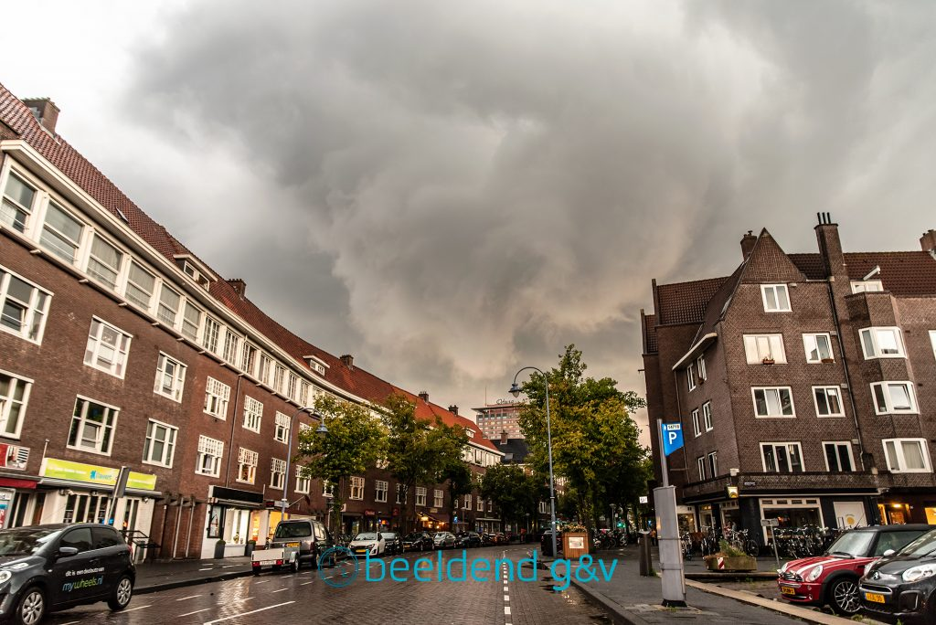 Windhoos boven Amsterdam
